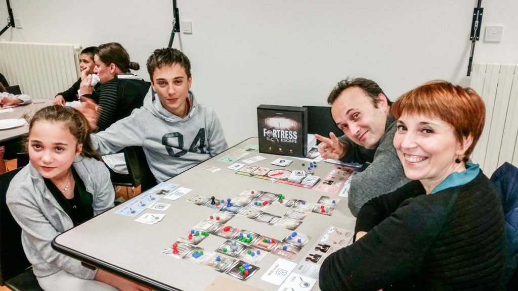 Les membres de la famille Robert testent Fortress Escape